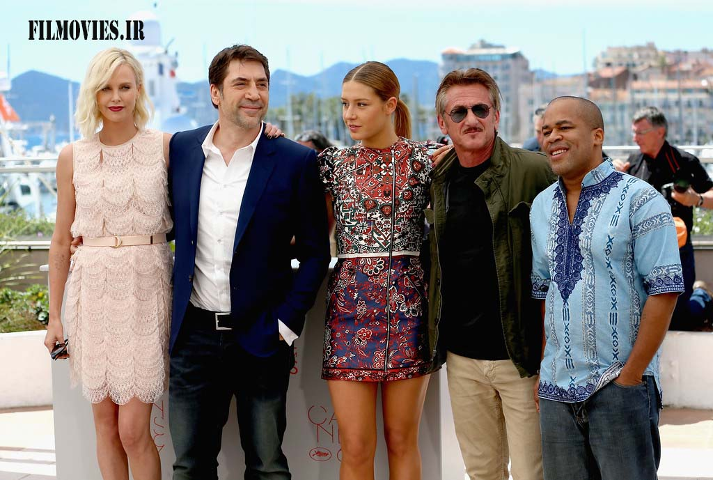"CANNES, FRANCE - MAY 20: (L-R) Actors Charlize Theron, Javier Bardem, Adele Exarchopoulos, director Sean Penn and actor Zubin Cooper attend ""The Last Face"" Photocall during the 69th annual Cannes Film Festival at the Palais des Festivals on May 20, 2016 in Cannes, France. (Photo by Luca Teuchmann/Getty Images)"