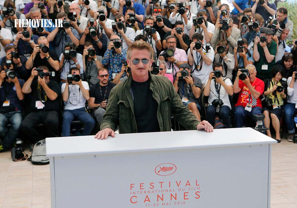 Director Sean Penn poses for photographers during a photo call for the film The Last Face at the 69th international film festival, Cannes, southern France, Friday, May 20, 2016. (AP Photo/Lionel Cironneau)