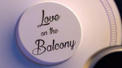 تصویر از Love on the balcony